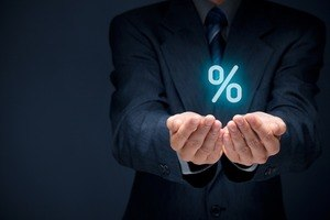 How much does an insurance broker get paid